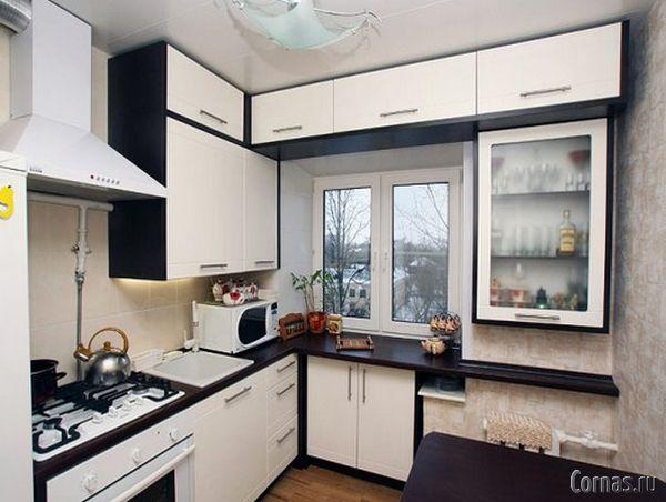 кухни у окна дизайн фото
