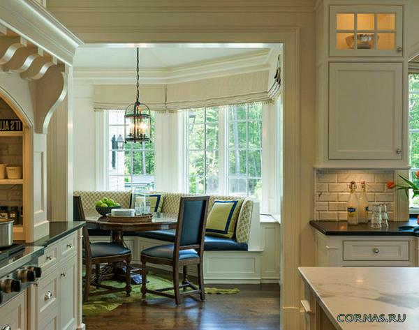 Интерьер кухни с окном эркер 107