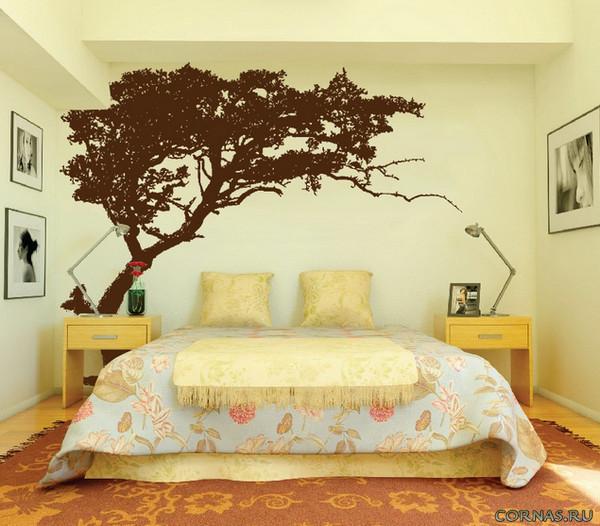 Дерево на стене