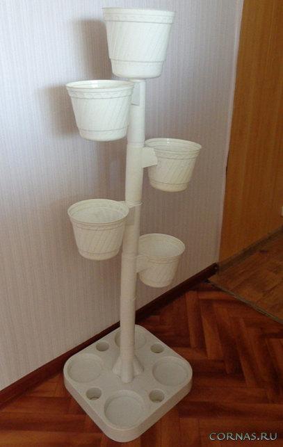 Подставка из пластиковых труб для цветов своими руками