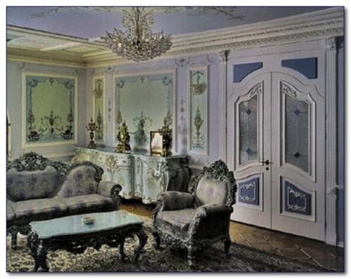 Мебель в классическом стиле квартиры.
