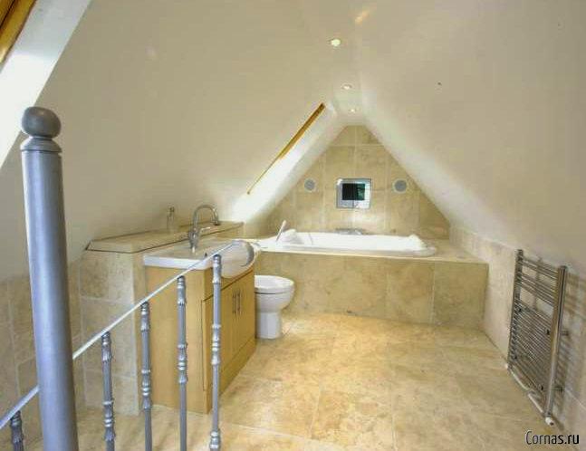 Ванная на мансарде: секреты планировки и дизайна