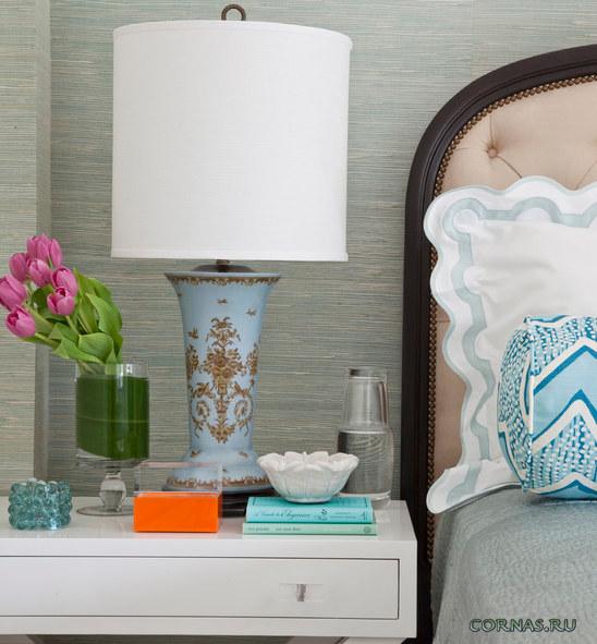 Прикроватные тумбочки: фото мебели для спальни