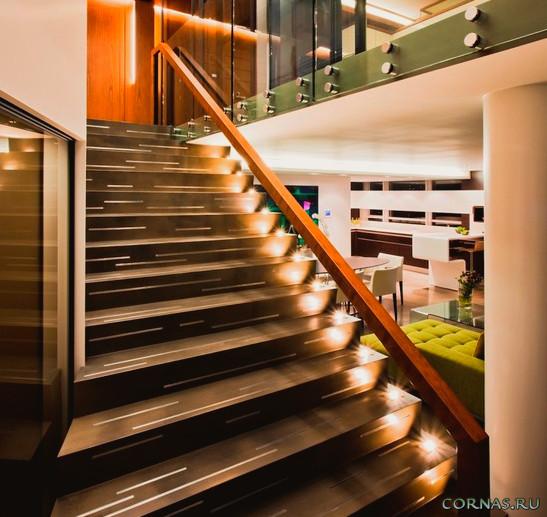 Подсветка лестницы в доме: фото идеи