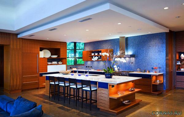 Синяя кухня - прохлада и свежесть в интерьере
