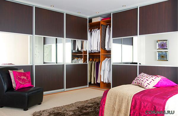 Встроенные шкафы-купе - модная мебель в современном интерьере