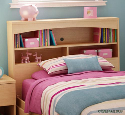 Полка над кроватью: декоративное и функциональное изголовье