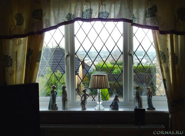 Решетки на окна: фото, виды и особенности конструкции