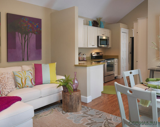 Дизайн кухни с диваном: фото с угловыми и прямыми моделями