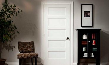 belie-mejkomnatnie-dveri-v-interere
