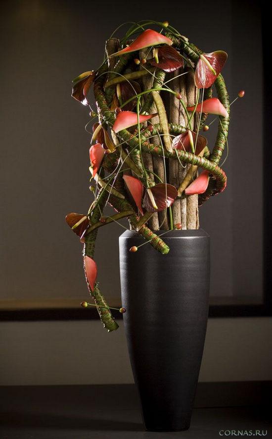 Напольные вазы - какие бывают и где поставить в интерьере?
