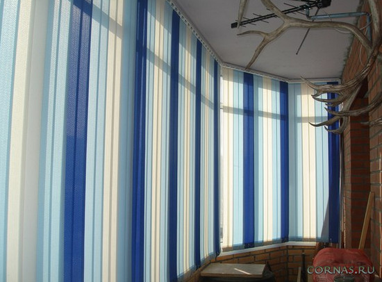 Как выбрать жалюзи на балкон или лоджию - рекомендации, фото