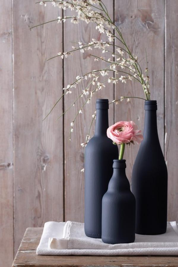Бутылки в интерьере: идеи декора для творчества