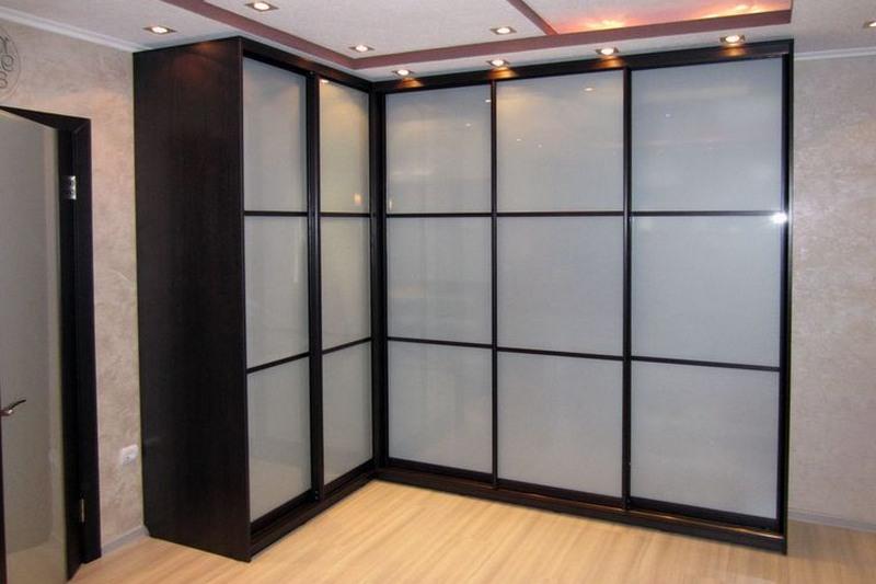 Угловой шкаф в спальню -120 фото разнообразных моделей