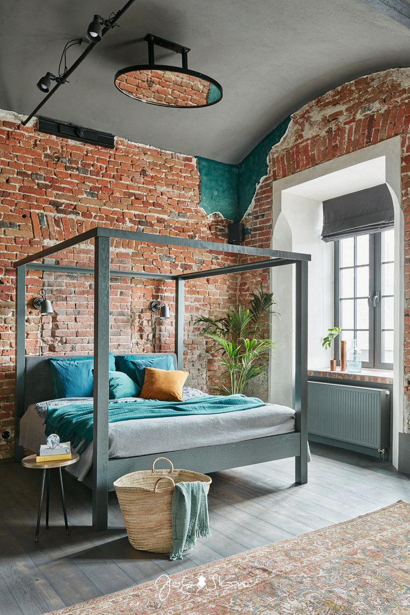 Брутальный лофт с высокими потолками от фотографа Jola Skóra