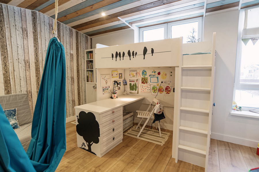 IKEA и морской стиль в привлекательном дизайне таунхауса в Екатеринбурге