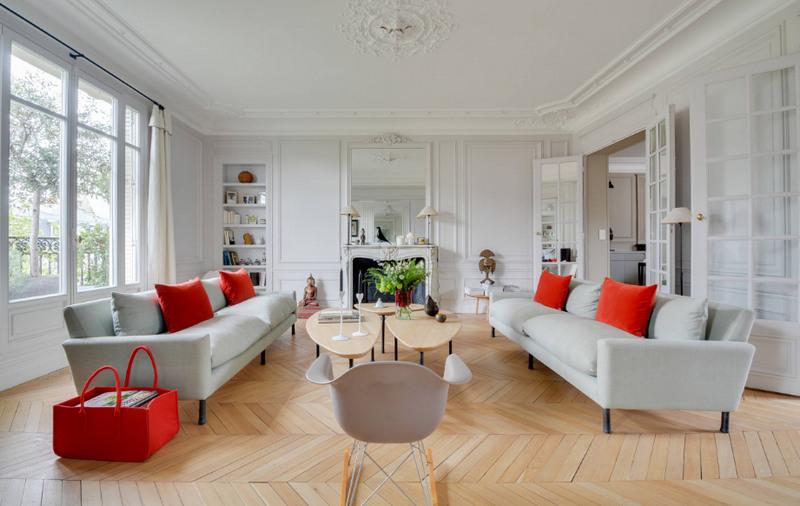 Пол в гостиной - какой выбрать, чтобы было красиво и долговечно? Фото идеи.